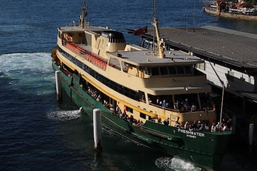 Ferry a Manly